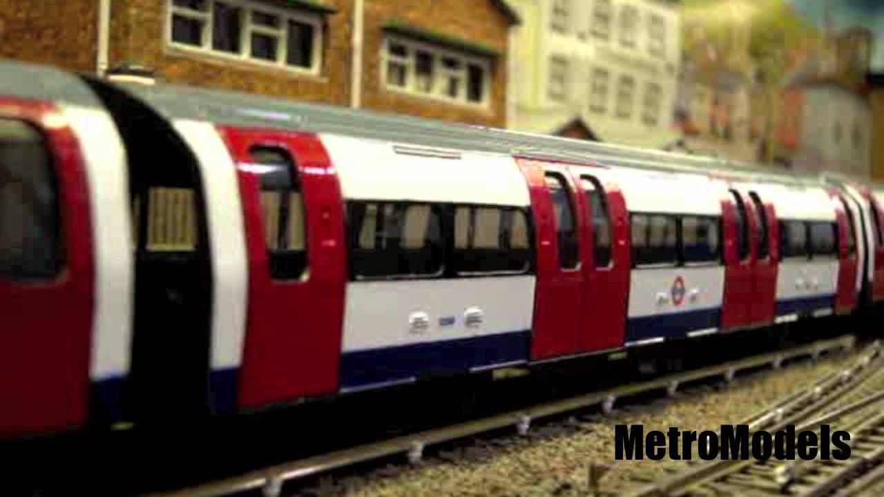 London Underground tube train model railway model subway railroad ...