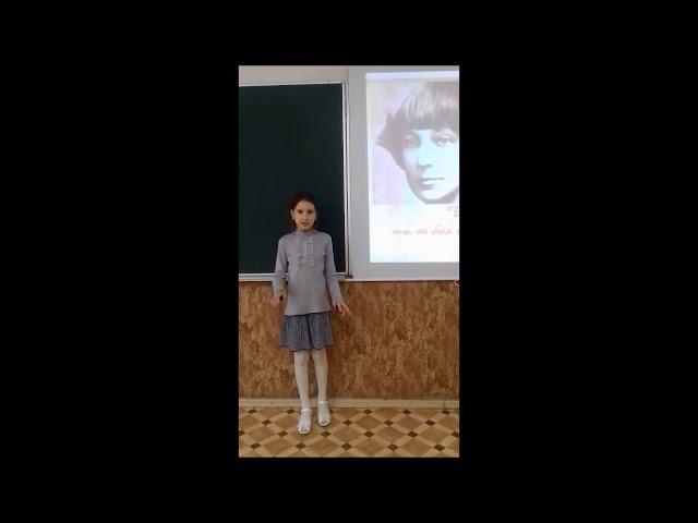 Изображение предпросмотра прочтения – ТамараКротова читает произведение «Декабрь и январь» М.И.Цветаевой