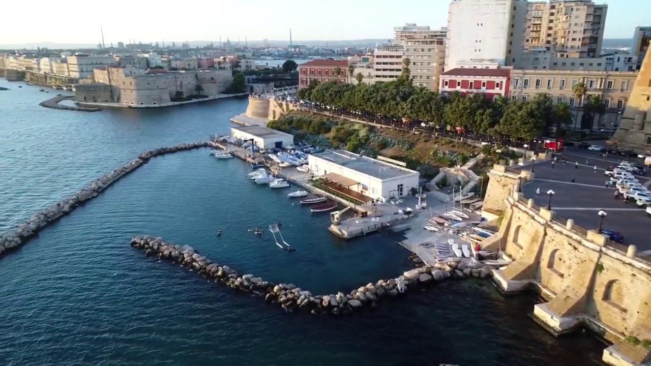 Lungomare di Taranto - YouTube