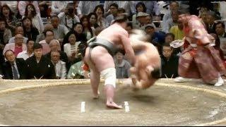 Tochinoshin vs Kotoshogiku - Natsu 2018, Day 11