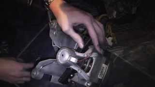 Менял щетки в двигателе стиральной машины Zanussi FE1002(, 2015-03-01T22:10:16.000Z)