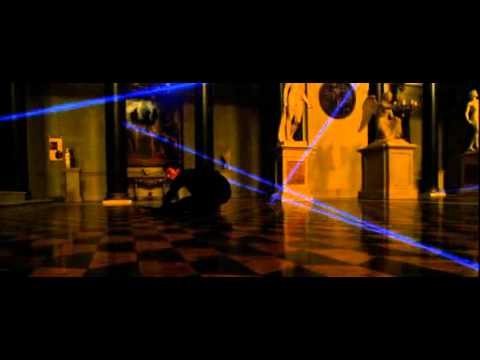 laser dance by vincent cassel in ocean's 12