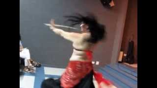 Baixar PAT AMARAL - Dança Árabe com Espada