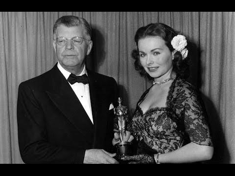 Jeanne Crain presents Short Film Oscars® in 1949