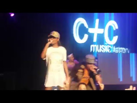 C+C Music Factory - Gonna Make you Sweat Live @ 90's Dancemania Concert Melbourne 13 March 2016
