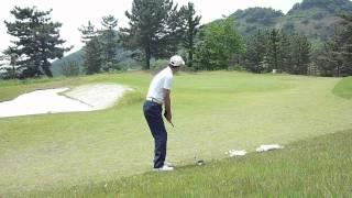 ゴルフ サンドウェッジのアプローチショット30Yの練習 thumbnail