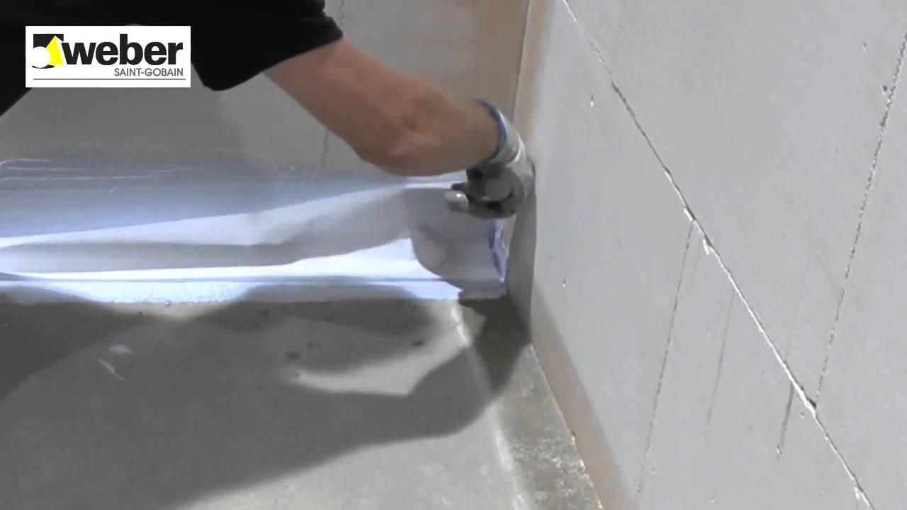 Afdichten van een doucheruimte - YouTube