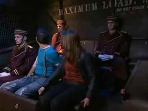 Tour de la terreur disneyland resort paris youtube for Interieur hotel disney