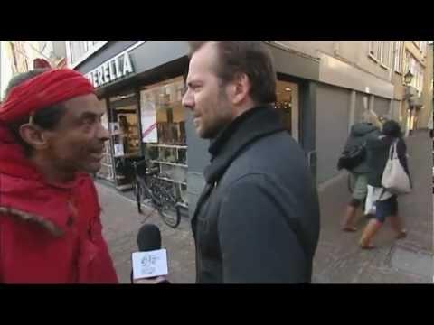 'God van de maffia' spuugt naar RTL4 Cameraploeg