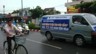 Bluefone & VNPT diễu hành tại Thủ Dầu Một Bình Dương.mp4