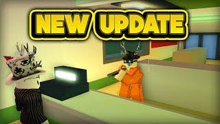 NEW STORE ROBBING & MORE! (ROBLOX Jailbreak)