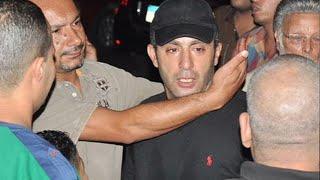 أحمد السقا ينهار باكيا أثناء تشييع جثمان خالد صالح