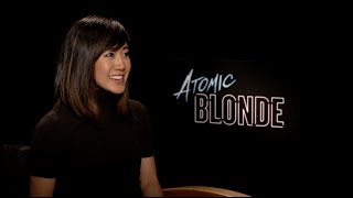 Julie Goes [Atomic] Blonde For A Day!
