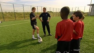 Ole Gunnar Solskjaer Teaches 12 Year Old Danny Welbeck How To 'Drag Back' & Finish In 2003