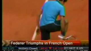 Federer Triumphs in French Open - Bloomberg
