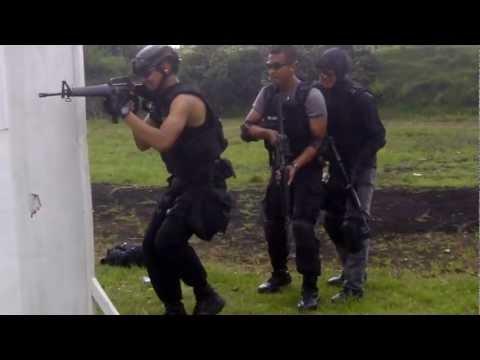 CQB Training of Detachment B Pelopor, West Java Mobile Brigade (2)