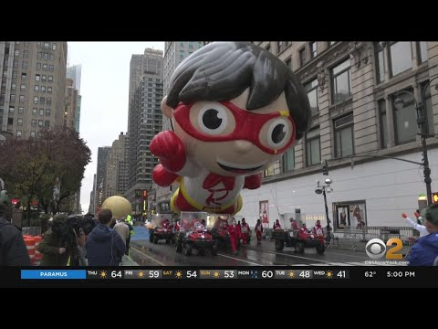Macy's Thanksgiving Day Parade Goes On Without Crowds