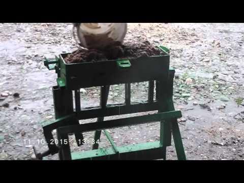 Briquette press without car jack