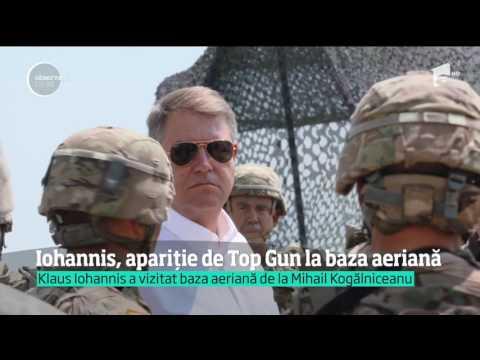 Preşedintele Klaus Iohannis a descins ca-n Top Gun la baza militară de la Mihail Kogălniceanu