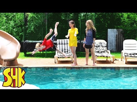 Super Swimmers: She Doesn't Know How To Swim! SuperHeroKids