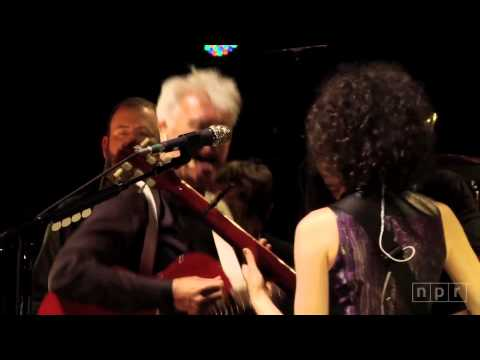 Talking Heads (David Byrne & St Vincent) Burning Down The House