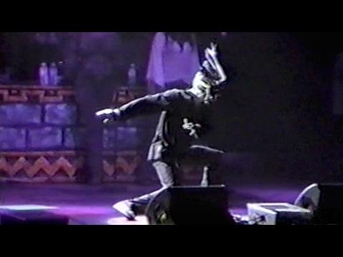 Jamiroquai - Nippon Budokan, Tokyo (Kitanomaru), Japan, October 29th 2002