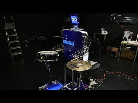 MORTIMER: The drumming robot!