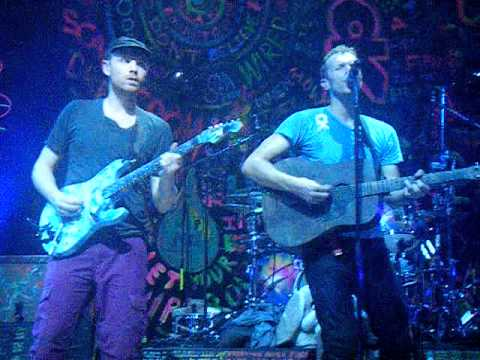 Coldplay - Shiver (live) clip @ UEA Norwich 27th October 2011