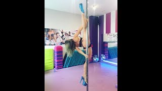 Pole Dance Advanced Tricks