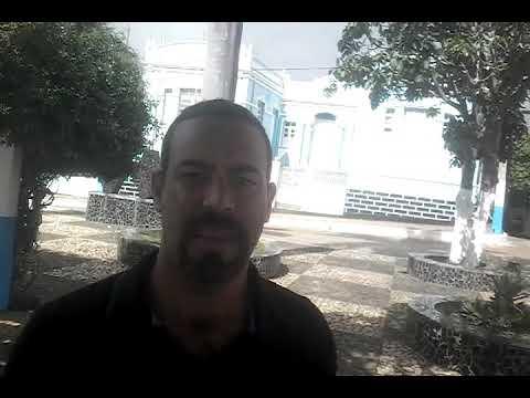 Frente a Prefeitura de Itaquara-Ba O Apresentador Anderson Oliveira Cobra Ações da Gestão Municipal