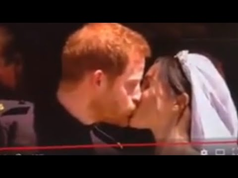 Royal Wedding 2018 Prince Harry Kisses Meghan Markle #RoyalWedding2018