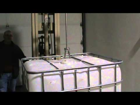 ibc roerwerk ibc container mixer menger 1000 liter doovi. Black Bedroom Furniture Sets. Home Design Ideas
