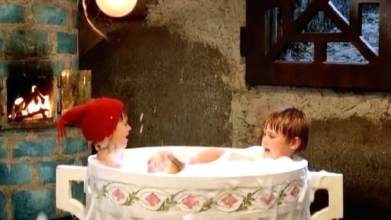 小男孩将自己缩小住老鼠洞,一个杯子就能泡澡,奇幻冒险电影