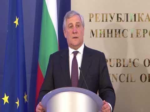 Антонио Таяни: Срещата ни беше много ползотворна по теми, които вълнуват нашите граждани и европейските народи. Разговаряхме по защитата на външните граници, борбата срещу тероризма и икономическия растеж с акцент върху цифровизацията. За Европейския съюз и Европейския парламент ситуацията на Балканите е приоритет.