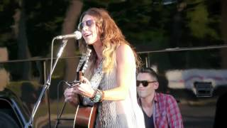 Kelleigh Bannen Sorry On The Rocks