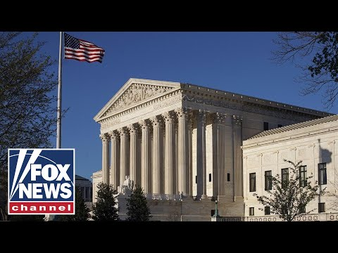 Supreme Court rules 5-4 to uphold Trump travel ban