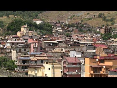 Italy village where mafia have stolen the right to vote