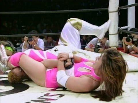Aja Kong (AJW) vs Megumi Kudo (FMW) - 3WA World Title Match