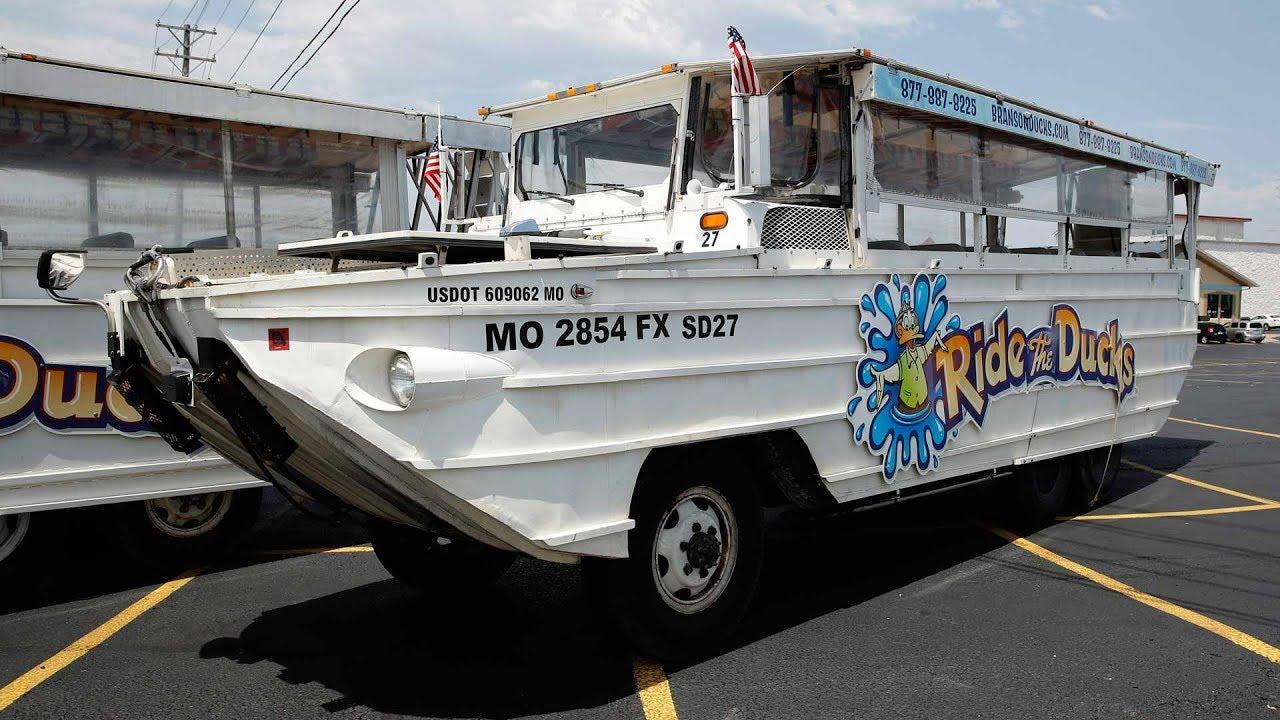 Duck boat sinking in Missouri leaves 17 dead