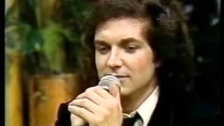 Camilo Sesto canta en Vivo en la televis...