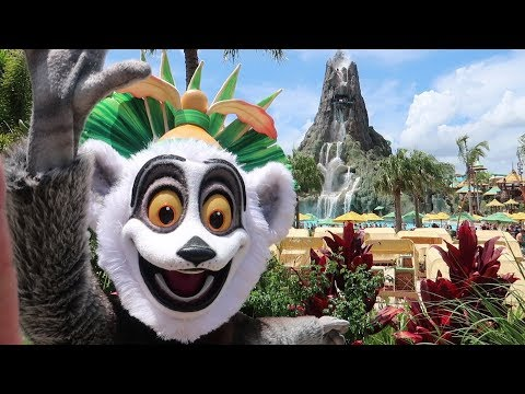 Back to Volcano Bay Water Park On A Very Busy Summer Day!   Park Updates, Crowd Levels & More!