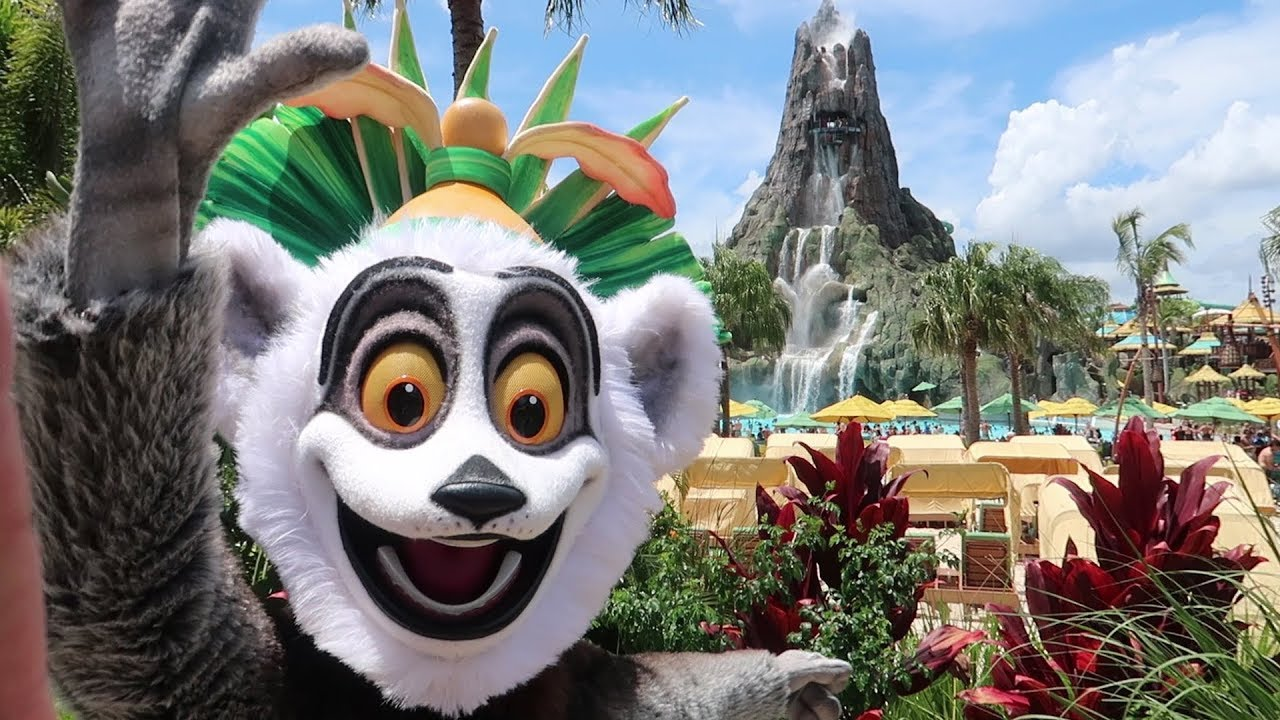 back-to-volcano-bay-water-park-on-a-very-busy-summer-day-park-updates-crowd-levels-more