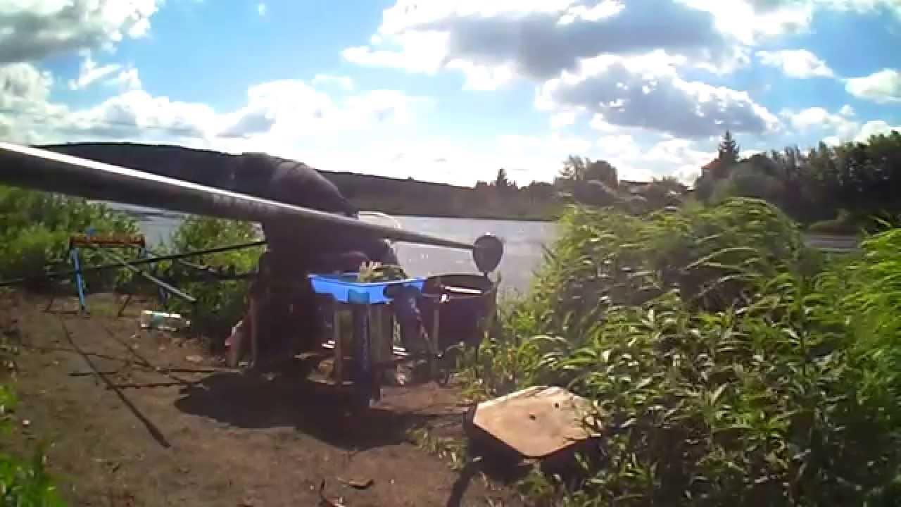 рыбалка на поплавочную удочку на реке