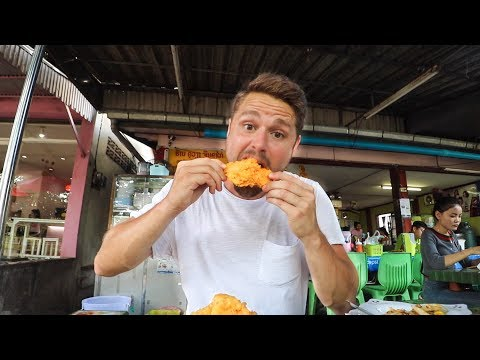 LAOS KFC (Kouvieng Fried Chicken) + Noodles, BUGS, And More   Vientiane, Laos