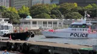 神奈川県警水上警察署の警備艇「しょうなん」と「あしがら」