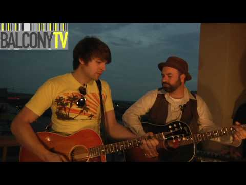DON GALLARDO & HOW FAR WEST - SITTING ON TOP OF THE WORLD (BalconyTV)