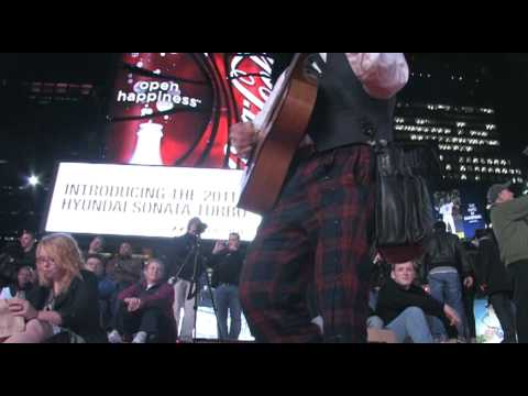 Victor Sheely in Times Square for Random TV Panama