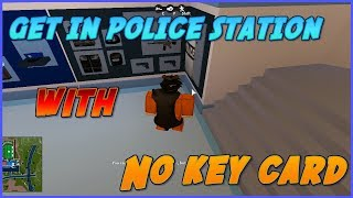 ROBLOX JAILBREAK HOW TO GET IN POLICE STATION WITH NO KEY CARD! [GLITCH] [GET ALL GUNS FAST]