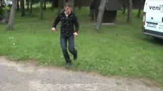 Janka soka biski girtas ;) funny drunk dance