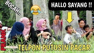Gambar cover ANAK KECIL..!! TELPONAN DIPUTUSIN PACAR DISAMPING ORANG || Prank Indonesia